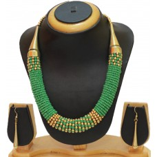 Costume jewelry necklace set, green