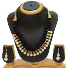 Costume jewelry necklace set, Black